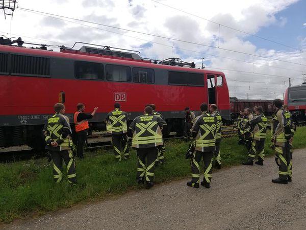 Read more about the article Außergewöhnliche Übung am Hauptbahnhof Landshut