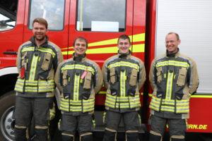 Read more about the article Vier neue Maschinisten für Löschfahrzeuge bei der Feuerwehr Neufahrn